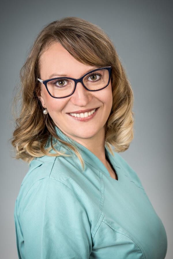 Szabó Henrietta - Optometrista, látszerész